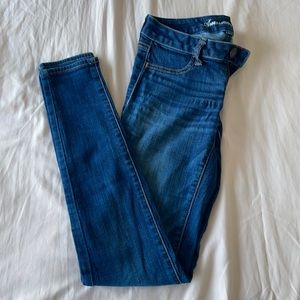 Iike new condition American eagle skinny jeans
